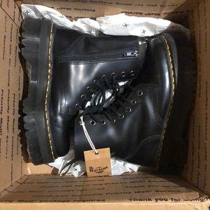 Dr. Martens Jadon size 6 leather platform boot